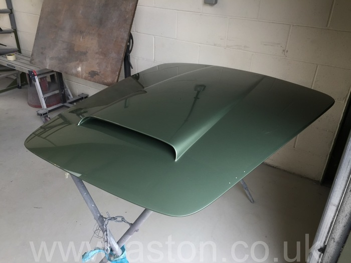 1964 aston martin convertible bonnet in green