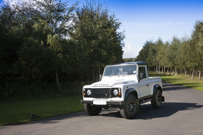 2016 Land Rover Defender 90 Pickup (VAT Qualifying)