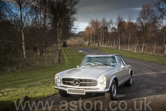 1969 Mercedes Benz 280SL 5 Speed ZF Manual (TOTALLY ORIGINAL 1 OWNER FROM NEW)