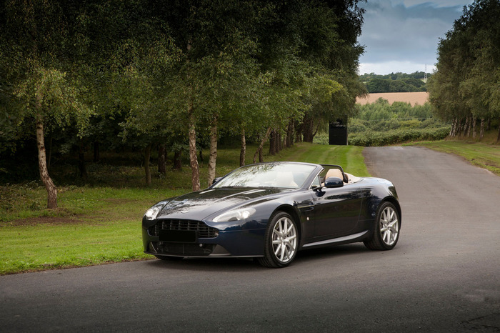 2014 Aston Martin Vantage Roadster 4.7 (6 Speed Manual)